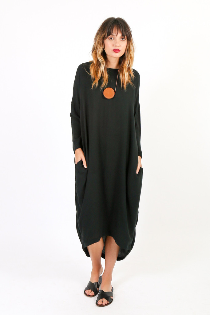 Black Crane Pleated Cocoon Dress & Make You Look Like A Princess