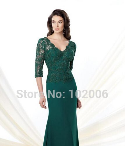 emerald-green-dress-with-black-lace-fashion-week_1.jpg