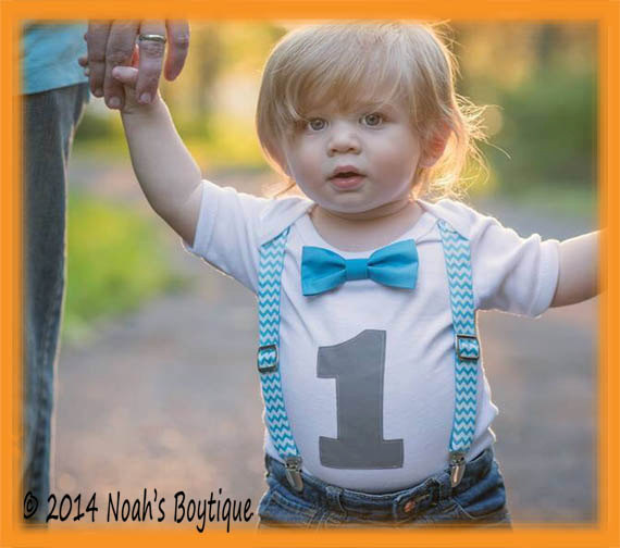 Dress your baby boy this blue denim animal cartoon pattern dungarees jumpsuit with suspenders for first birthday party. This exclusive children dungarees for a stylish look for your little kid.