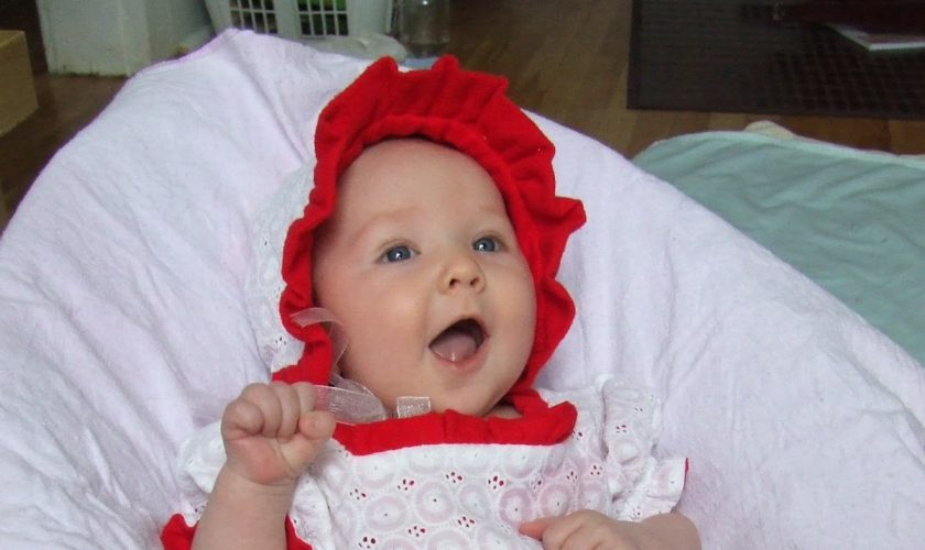 red-and-white-baby-dress-always-in-vogue-2017_1.jpg