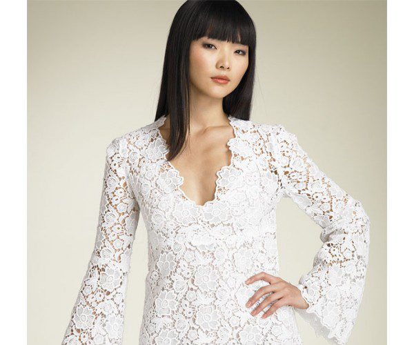 lace-gown-white-and-overview-2017_1.jpg