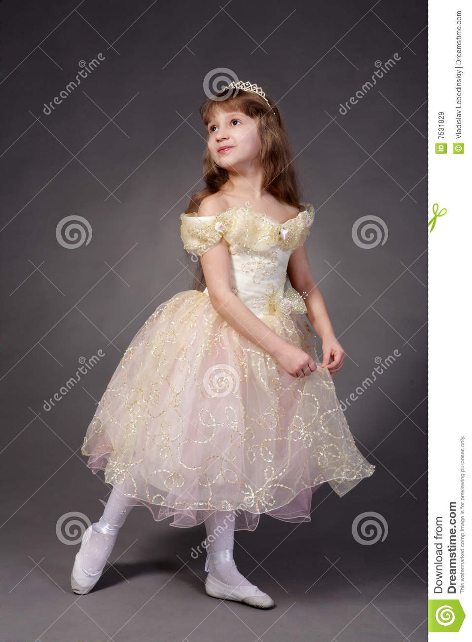 Sister Dresses Boy As Girl : Clothes Review